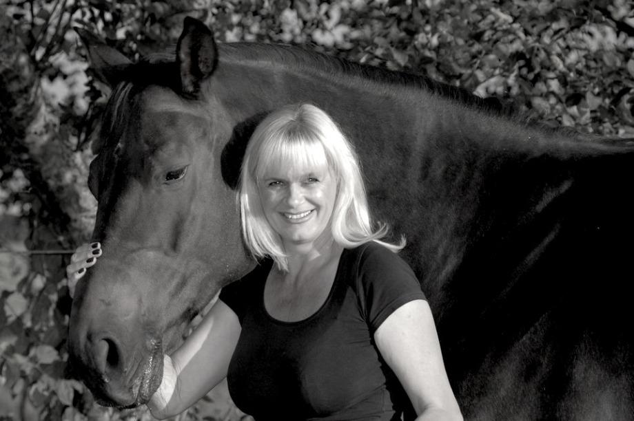 Karin Seeberger mit einem ihrer Pferde